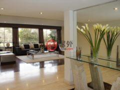 居外网在售秘鲁3卧3卫的房产总占地308平方米USD 2,500 / 月