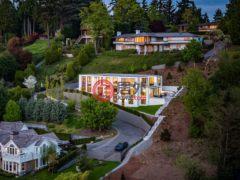 居外网在售美国麦地那5卧6卫的房产总占地1891平方米USD 7,838,000