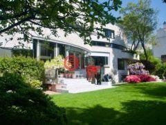 居外网在售法国巴黎4卧9卫的房产总占地1100平方米