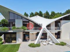 居外网在售瑞士科洛尼5卧7卫的房产总占地6457平方米