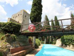 居外网在售意大利Gaiole in Chianti19卧21卫的房产总占地4000平方米EUR 14,000,000