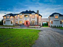居外网在售加拿大卡尔加里6卧9卫的房产总占地8094平方米CAD 2,199,888