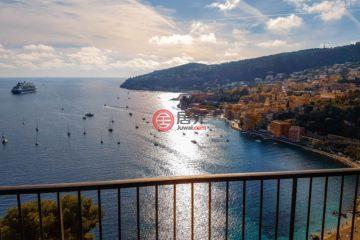 居外网在售法国3卧2卫曾经整修过的房产总占地76平方米EUR 2,500,000