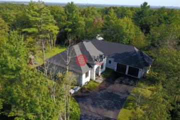 居外网在售加拿大3卧3卫特别设计建筑的房产总占地4000平方米USD 589,000