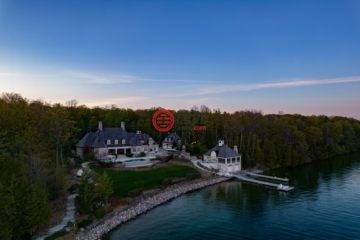 加拿大房产房价_安大略省房产房价_Oro-Medonte房产房价_居外网在售加拿大Oro-Medonte8卧10卫特别设计建筑的房产总占地40469平方米CAD 19,900,000