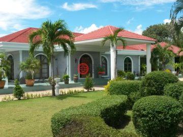 居外网在售泰国11卧7卫特别设计建筑的房产总占地5800平方米THB 19,500,000