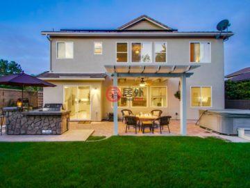 居外网在售美国卡尔斯巴德4卧3卫的房产总占地527平方米USD 889,909